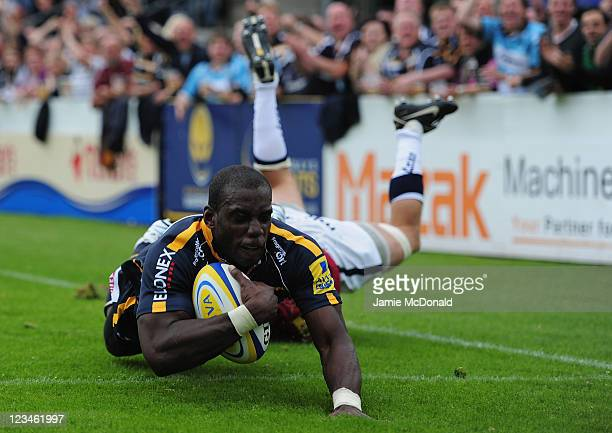 Miles Benjamin of Worcester Warriors scores a try during the AVIVA Premiership match between Worcester Warriors and Sale Sharks at Sixways Stadium on...