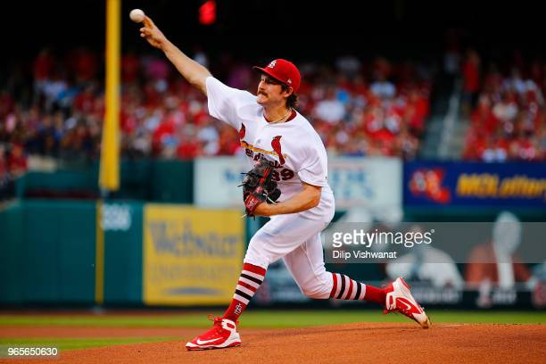 Miles Mikolas of the St Louis Cardinals delivers a pitch against the Pittsburgh Pirates in the first inning at Busch Stadium on June 1 2018 in St...