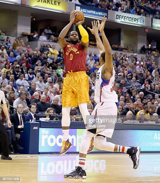 Miles of the Indiana Pacers shoots the ball in the game against the Los Angeles Clippers at Bankers Life Fieldhouse on January 26 2016 in...