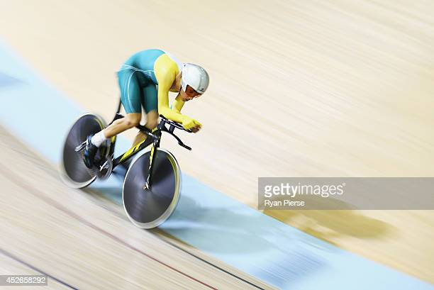 Miles Scotson of Australia competes in the Men's 4000m Individual Pursuit Qualifying at Sir Chris Hoy Velodrome during day two of the Glasgow 2014...