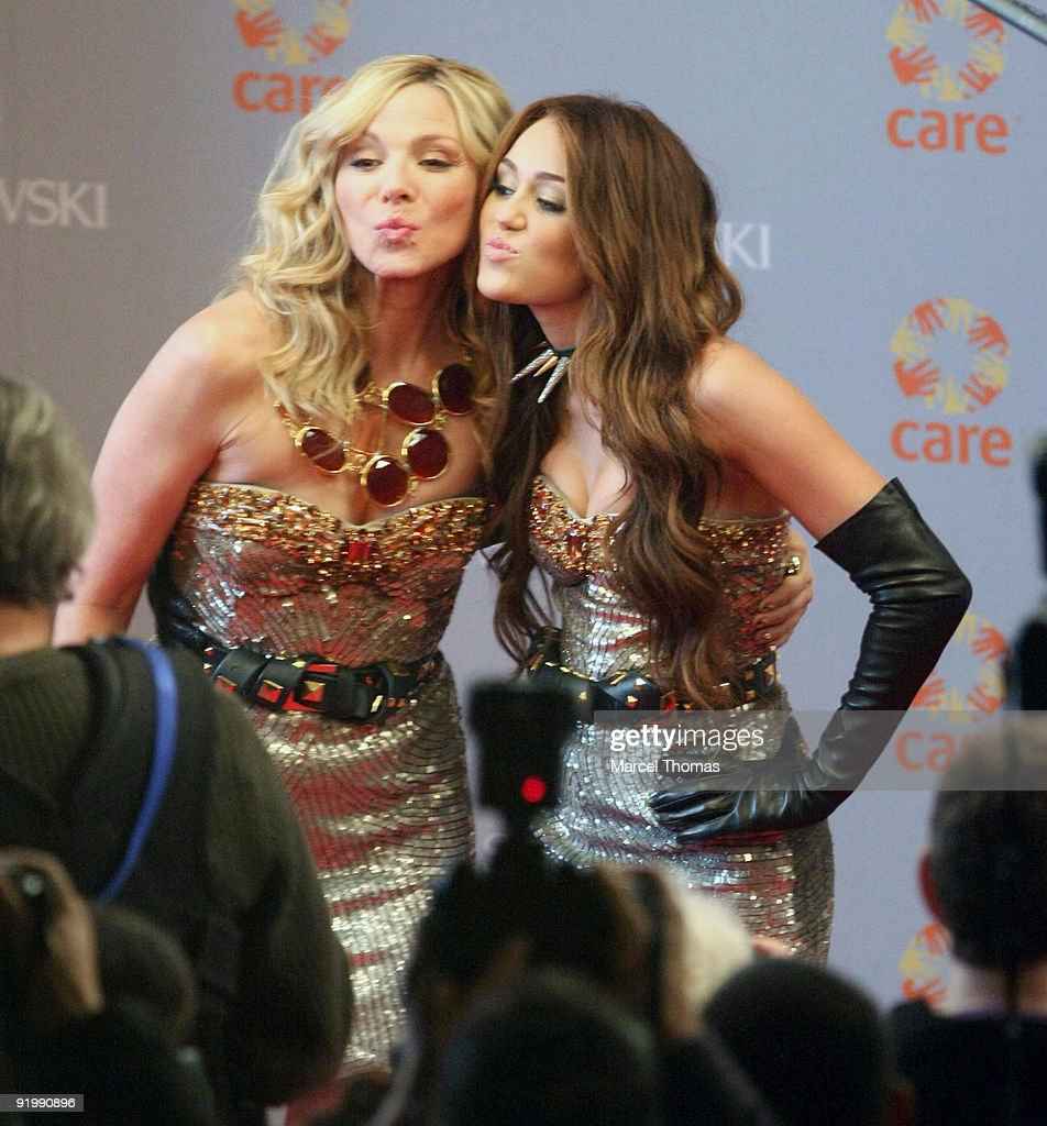 Miley Cyrus and Kim Cattrall are seen filming on set for the movie ' Sex in the City 2' on the Streets of Manhattan on October 17, 2009 in New York City.