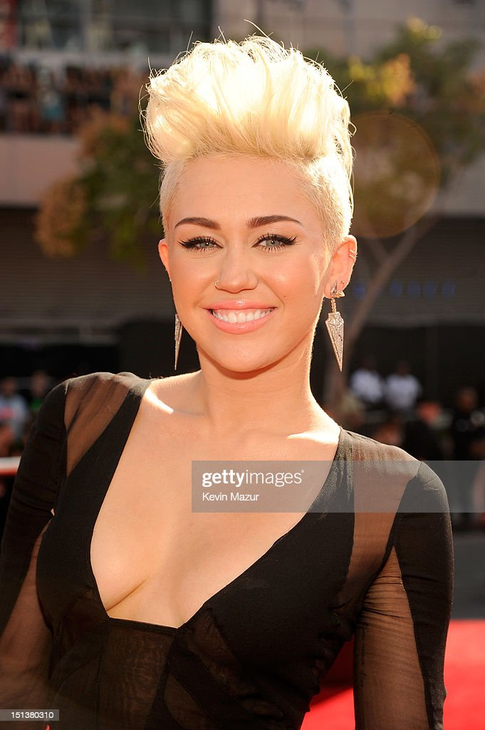 Miley Cyrus arrives at the 2012 MTV Video Music Awards at Staples Center on September 6, 2012 in Los Angeles, California.