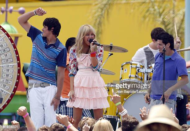 Miley Cyrus on location for Hannah Montana The Movie filming on the Santa Monica Pier on July 16 2008 in Santa Monica California