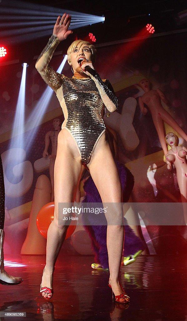 Miley cirus gay