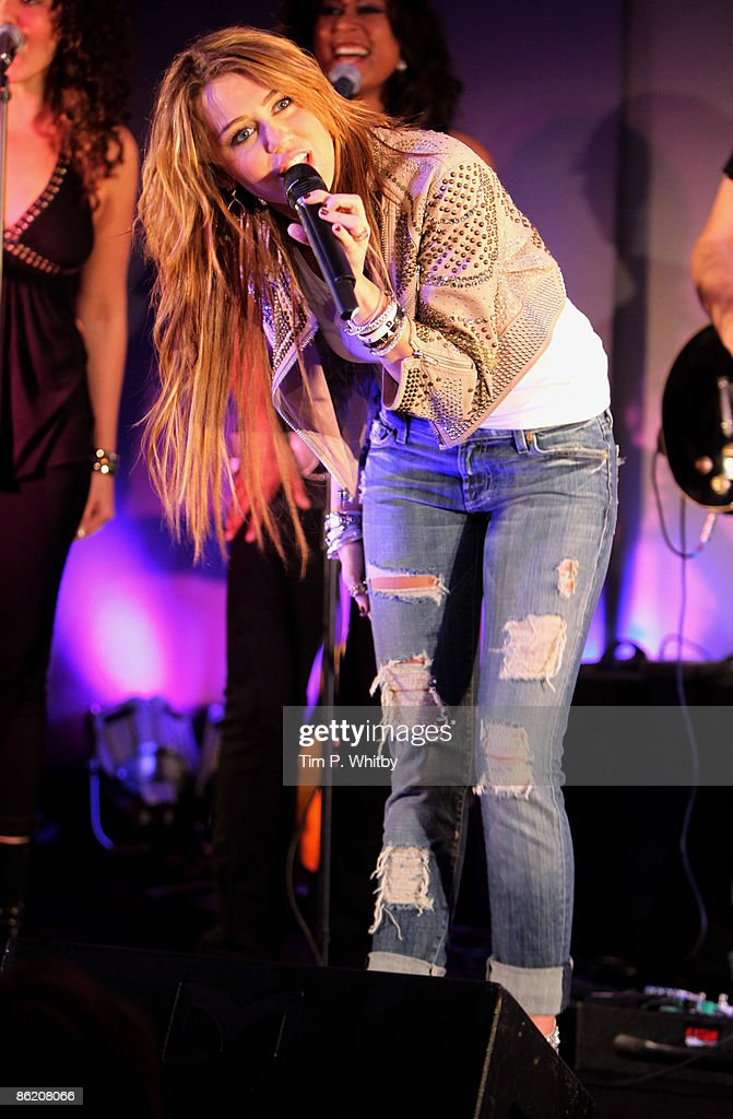 ITunes LIVE From London: Miley Cyrus Performs : News Photo