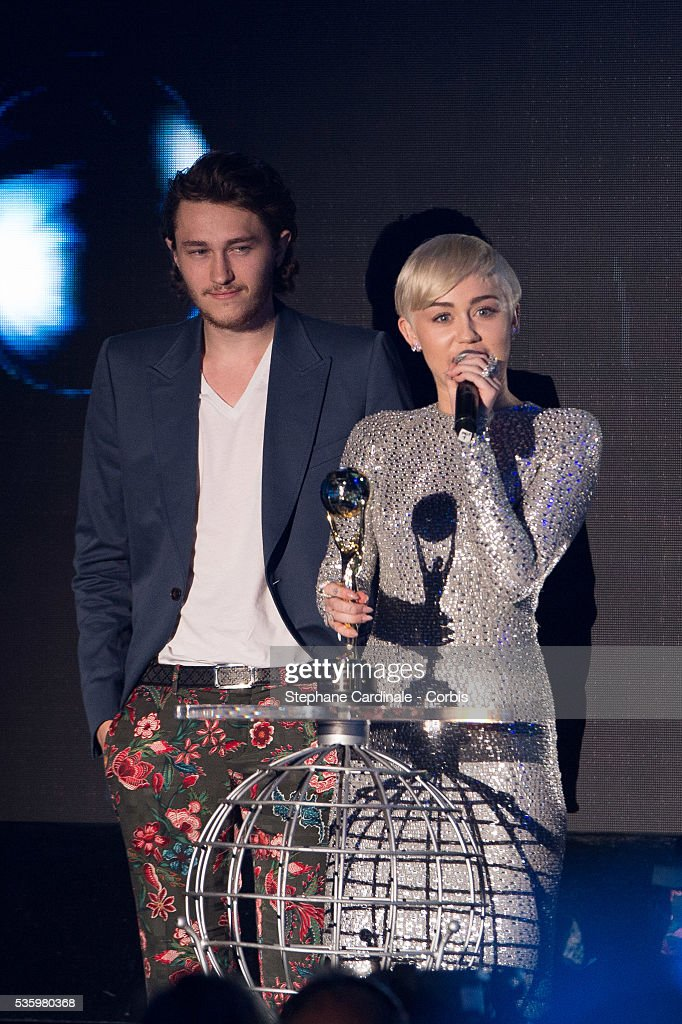 Miley Cyrus receives an award for Best Pop Rock Female Artist during the ceremony of the World Music Awards 2014 at Sporting Monte-Carlo on May 27, 2014 in Monte-Carlo, Monaco.