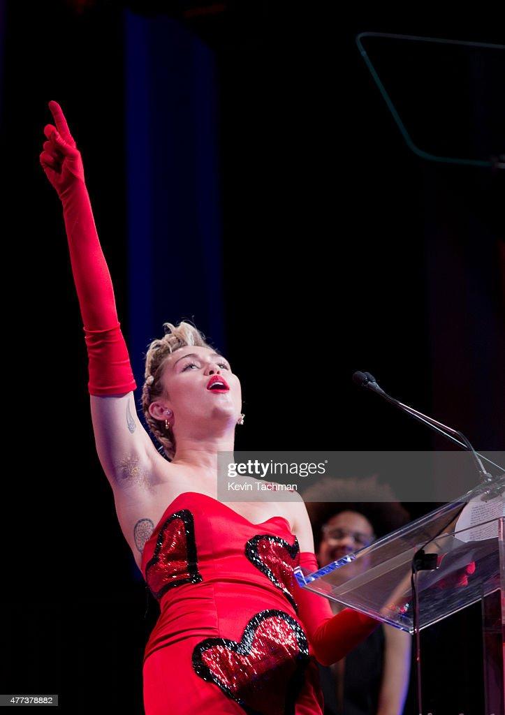 2015 amfAR Inspiration Gala New York - Show : Nachrichtenfoto