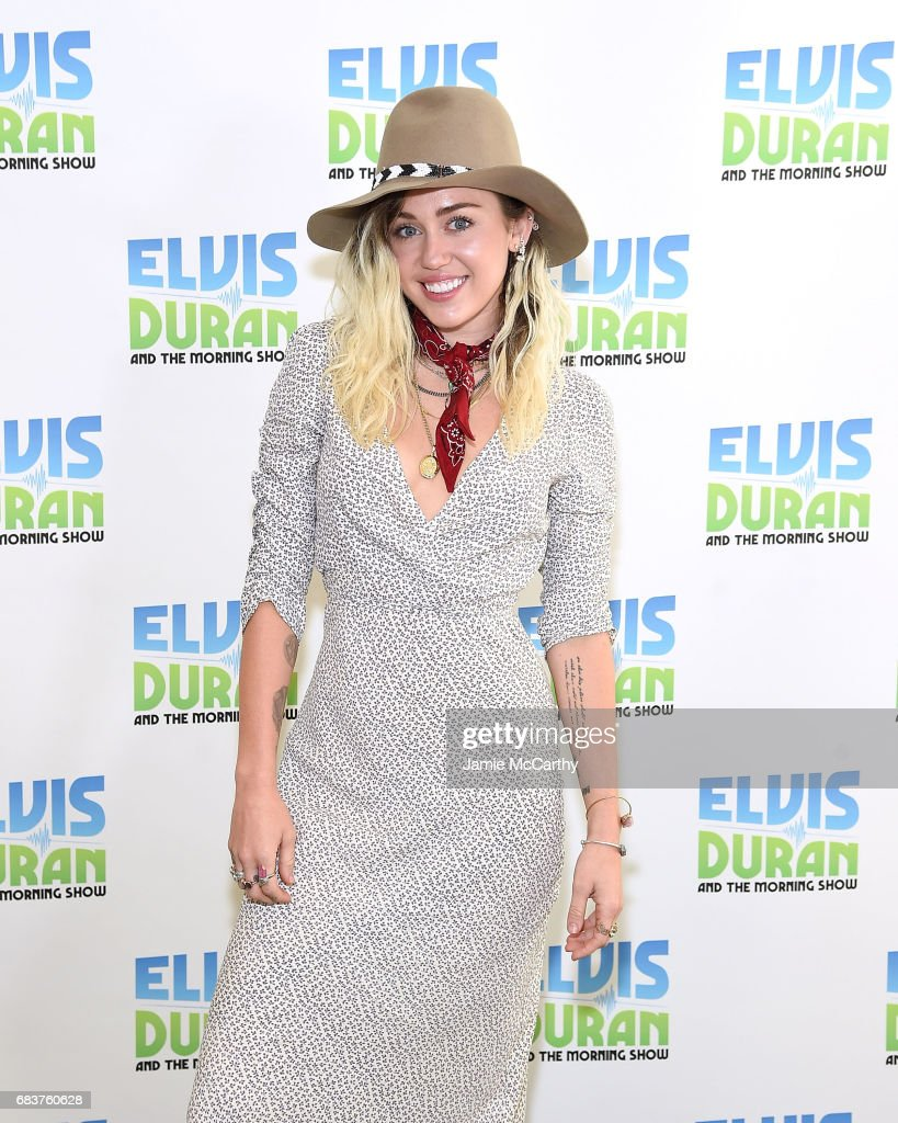 """Miley Cyrus Visits """"The Elvis Duran Z100 Morning Show"""" : News Photo"""