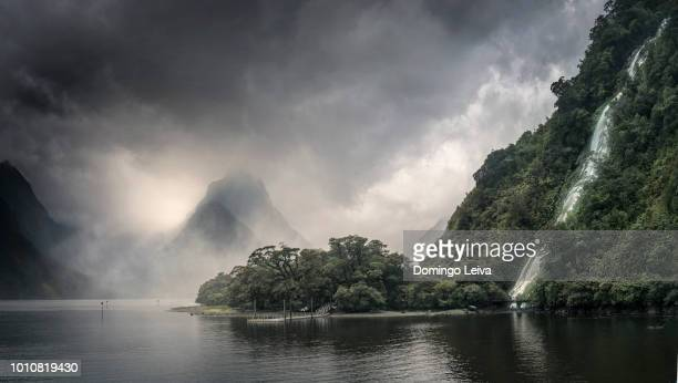 milford sound, new zealand - international landmark stock pictures, royalty-free photos & images