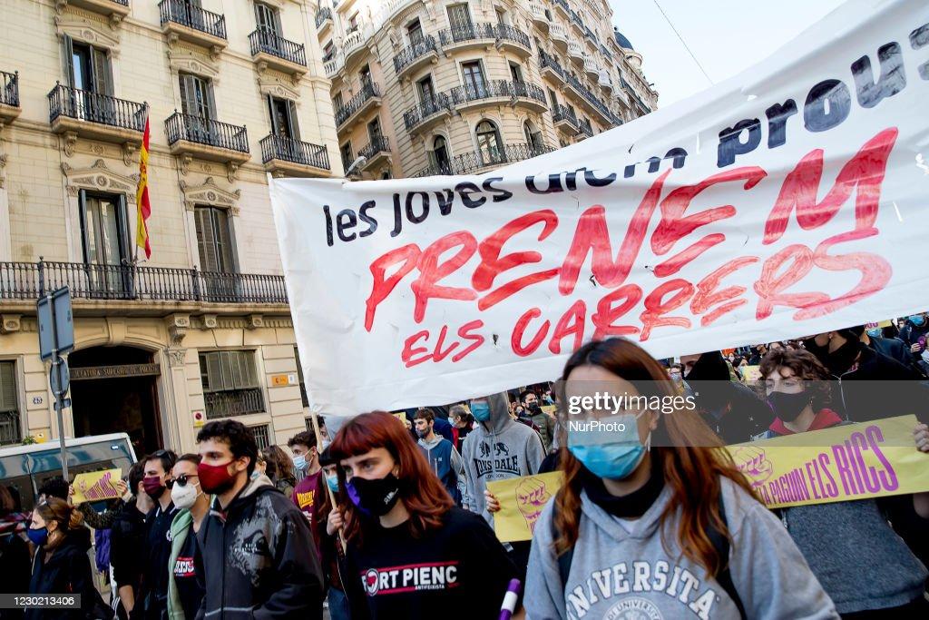 Demonstration ''Let The Rich Pay For The Crisis'' : Photo d'actualité
