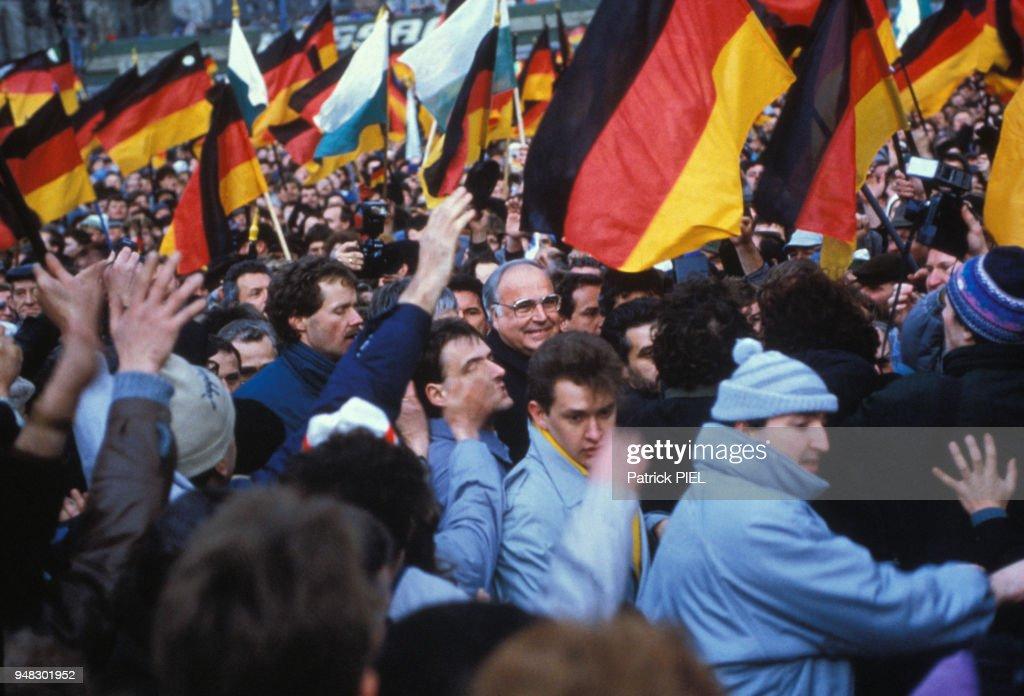 Militants lors de la venue d\'Helmut Kohl à Karl Marx Stadt Pictures ...