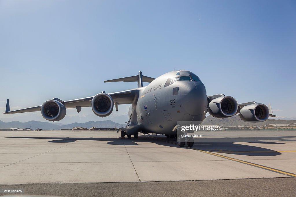 C -17 ミリタリー貨物輸送航空機 : ストックフォト