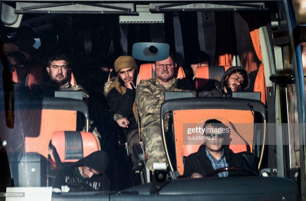 TOPSHOT-TURKEY-SYRIA-CONFLICT : News Photo
