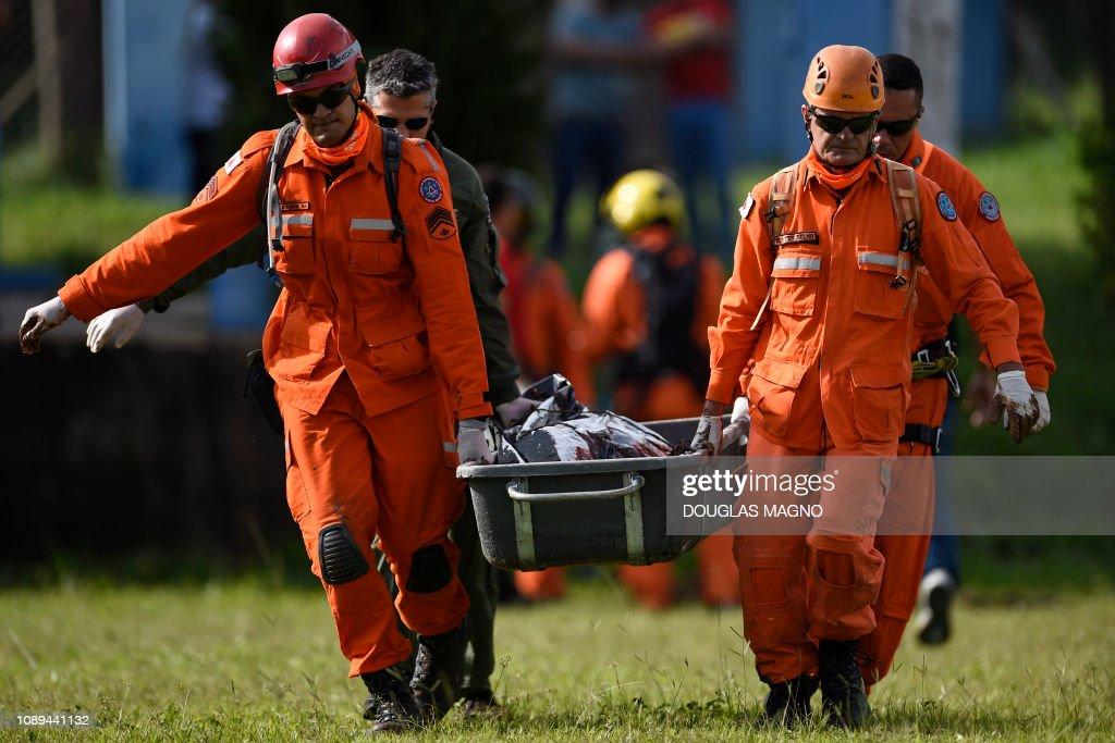 TOPSHOT-BRAZIL-ACCIDENT-DAM-COLLAPSE : Fotografia de notícias