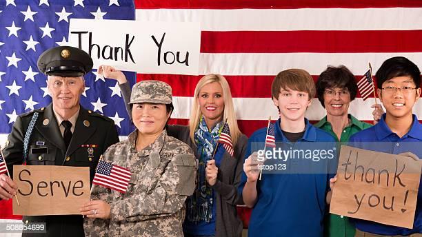 ミリタリー: group of people ショーアプリシエーション、米国退役軍人ます。 - 米退役軍人の日 ストックフォトと画像