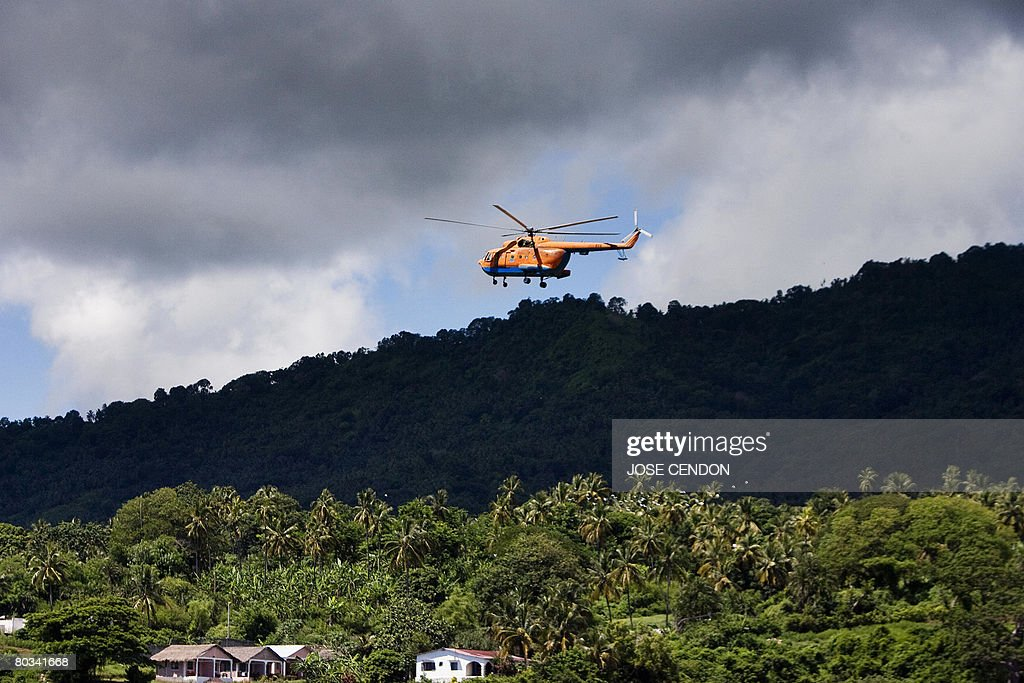 A military helicopter arrives in Fomboni : News Photo