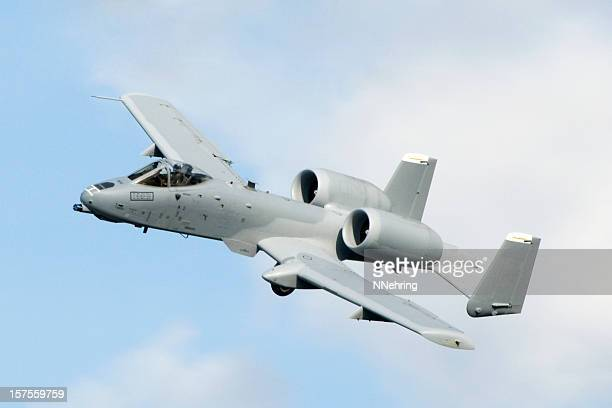 military jet airplane fairchild republic a10 thunderbolt ii warthog flying - fairchild a 10 thunderbolt stock pictures, royalty-free photos & images