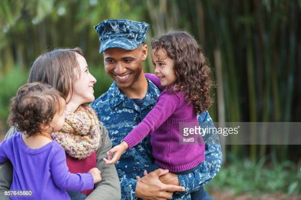 us military man with family - us navy stock pictures, royalty-free photos & images