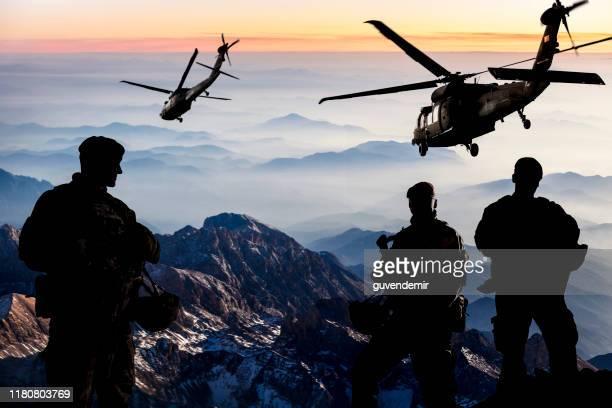 misión militar al anochecer - ejército de los estados unidos fotografías e imágenes de stock