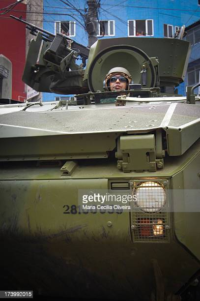CONTENT] Military occupation of Rocinha for installation of Pacifying Police Unit The operation used army tanks
