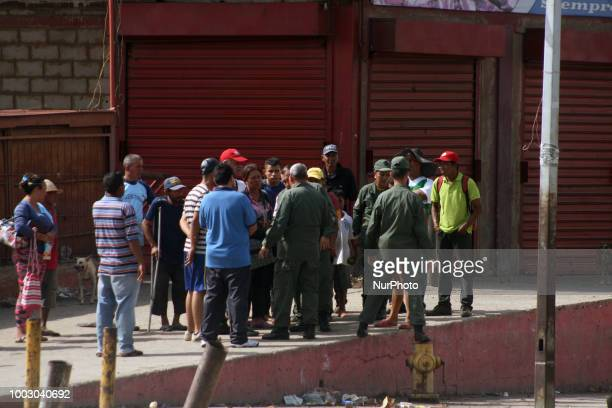 Military occupy temporarily popular markets in San Francisco Venezuela today Friday By orders of the national government in an effort to control the...