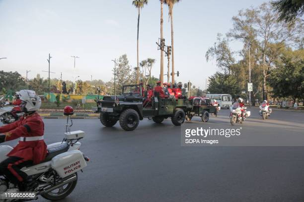 Military officers transport the coffin with the body of the late Daniel Arap Moi to lieinstate at Parliament buildings for public viewing The former...