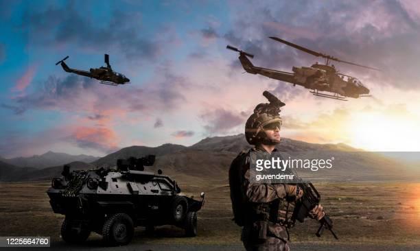 operação militar - infantaria - fotografias e filmes do acervo