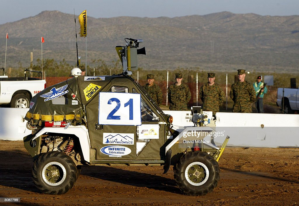 "DARPA Grand Challenge Says ""Look Mom, No Driver"" : News Photo"