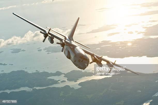 military plane - プロペラ ストックフォトと画像