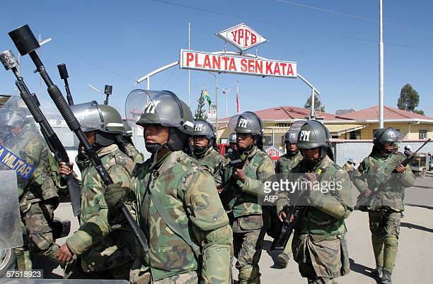 Military Police guard the entrance of the YPFB gas plant of Senkata in El Alto, next to La Paz, Bolivia, 02 May 2006. Bolivia's leftwing leader,...