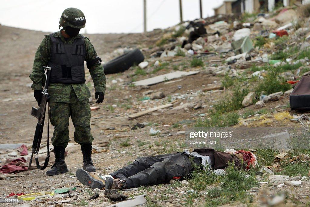 Mexican Drug War Fuels Violence In Juarez : News Photo
