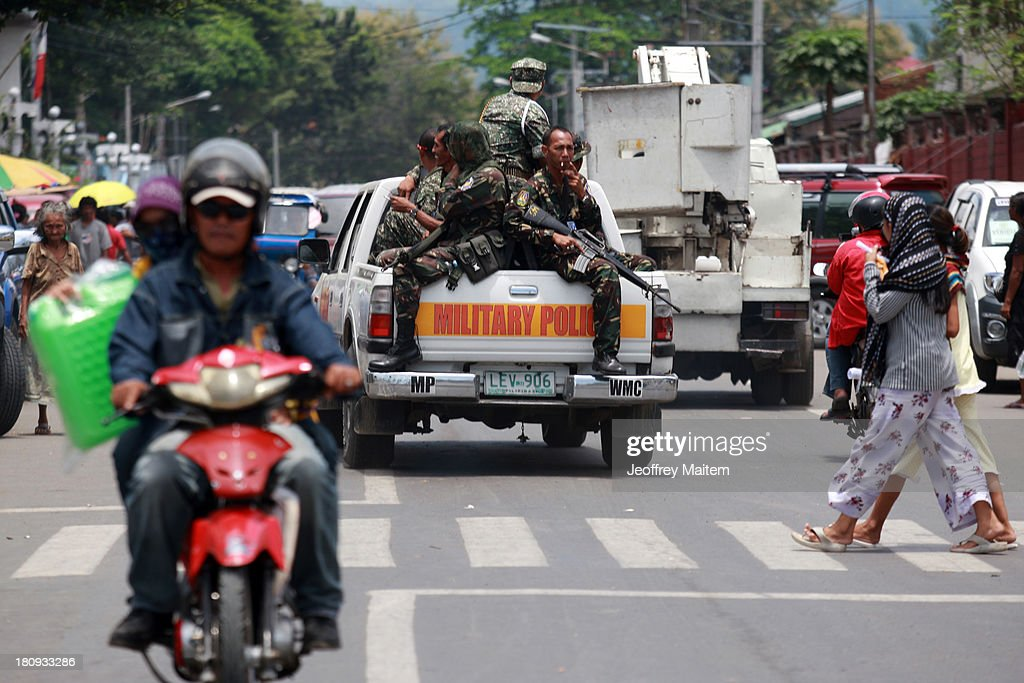 Stand Off Continues In Zamboanga City : News Photo