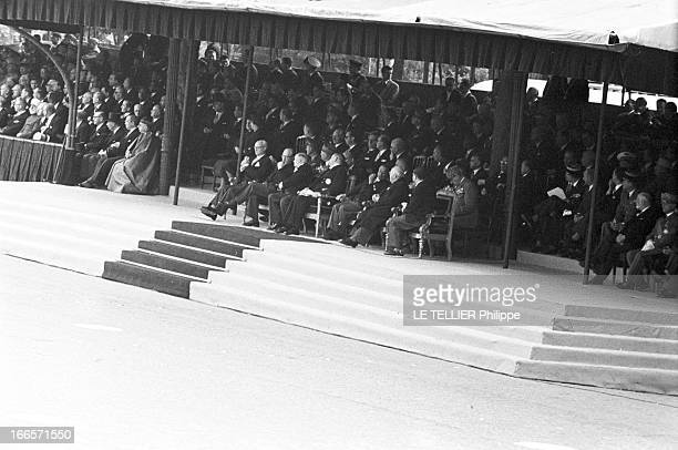 Military Review Of July 14Th Paris le 14 juillet 1956 le président COTY assiste au défilé depuis la tribune officielle au centre