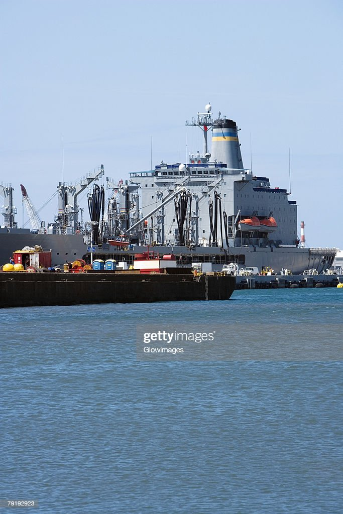 Military ships at a commercial dock, Pearl Harbor, Honolulu, Oahu, Hawaii Islands, USA : Foto de stock