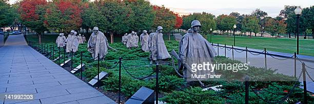 military statues in washington - korean war memorial stock pictures, royalty-free photos & images