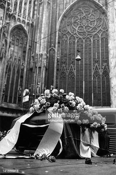 Military truck carrying the coffin of the police officer Antonio Annarumma under the glass windows of the Duomo in Milan during the state funeral...