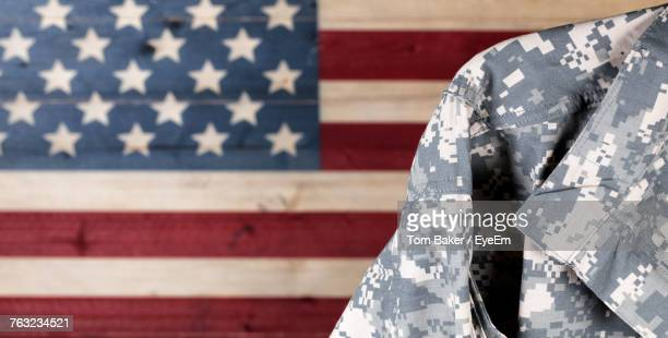 military uniform against american flag - uniforme militar - fotografias e filmes do acervo