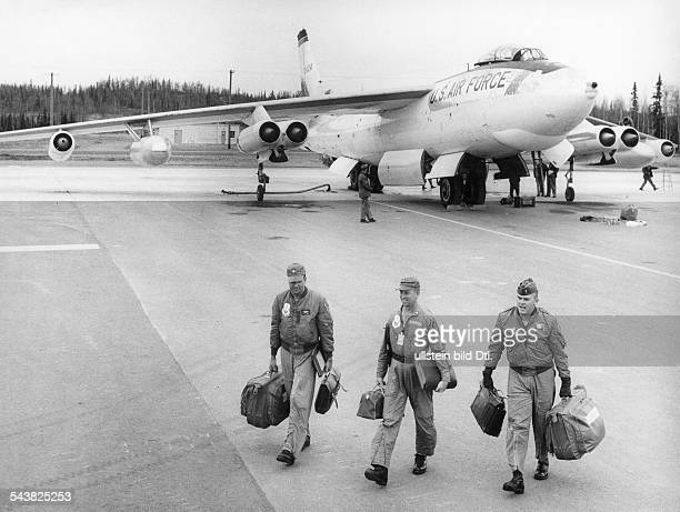 USA Military USAF Strategic Air Command A Boeing B47 'Stratojet' long distance bomber After landing on its air force base The crew leaving the...
