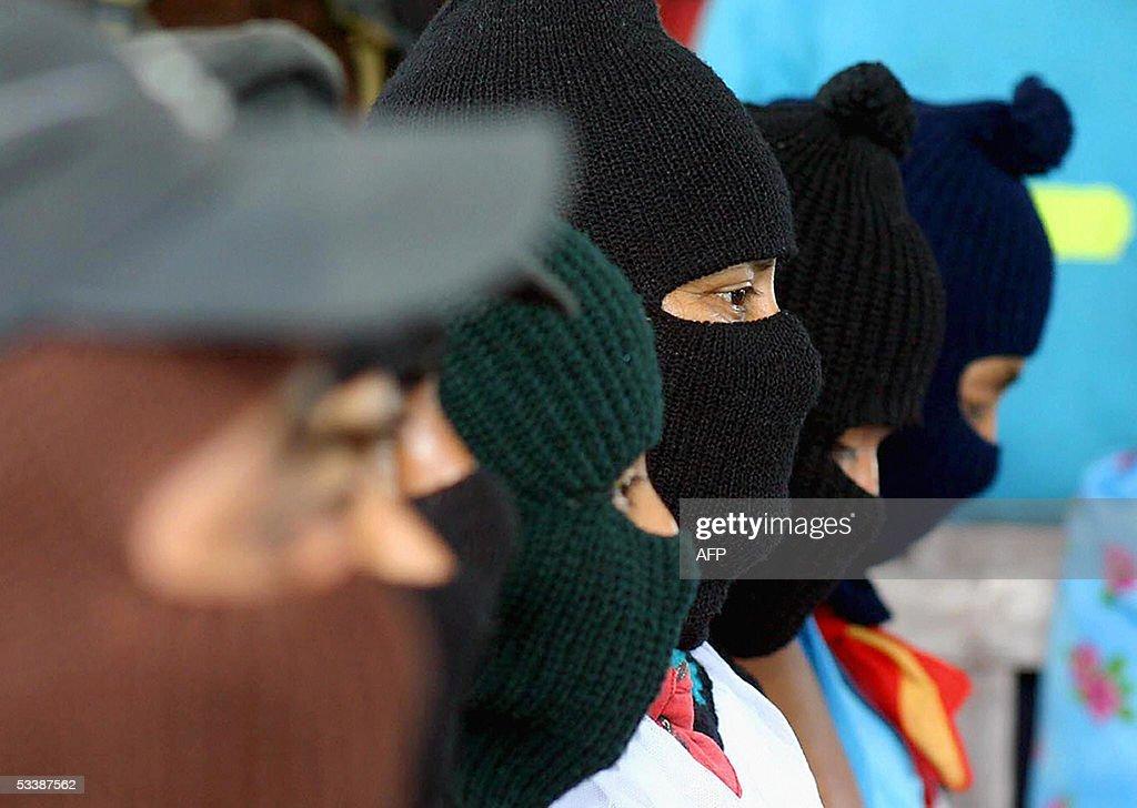 Militiamen of the Mexican Zapatista Army : News Photo
