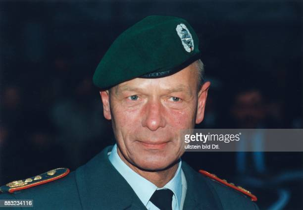 1771938 Militär D seit 1996 Generalinspekteur der Bundeswehr