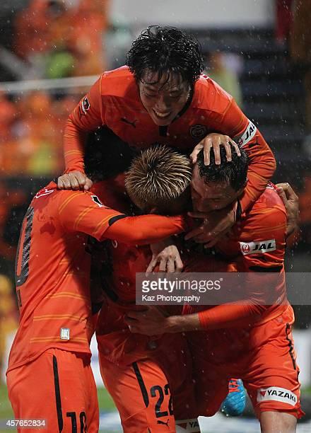 Milivoje Novakovic of Shimizu SPulse celebrates scoring his team's second goal with his teammates Kazuya Murata Genki Omae and Yoshiaki Takagi during...