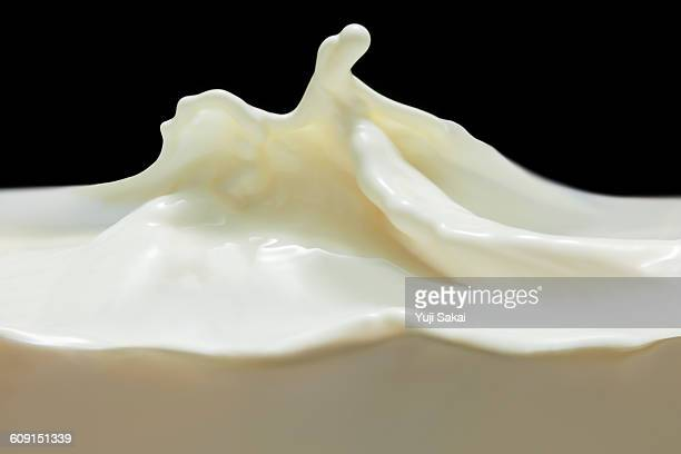 Milk wave side view