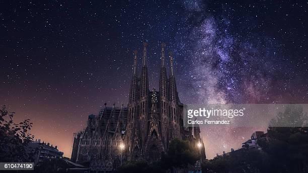 milky way and basilica and sagrada familia - sagrada familia stock pictures, royalty-free photos & images