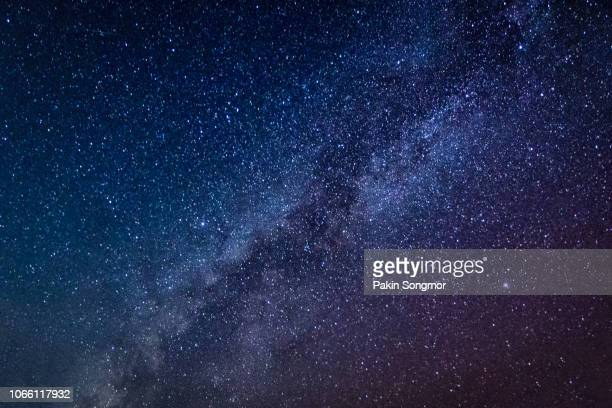 milky way galaxy with stars and space dust in the universe - celebritet bildbanksfoton och bilder