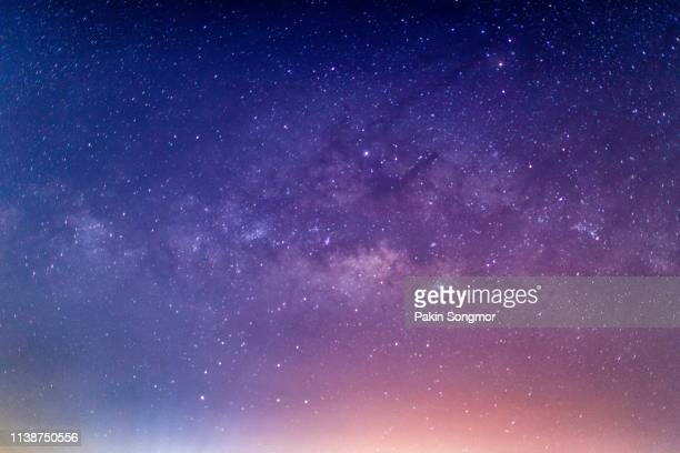 milky way galaxy with stars and space dust in the universe - {{relatedsearchurl(carousel.phrase)}} stock-fotos und bilder