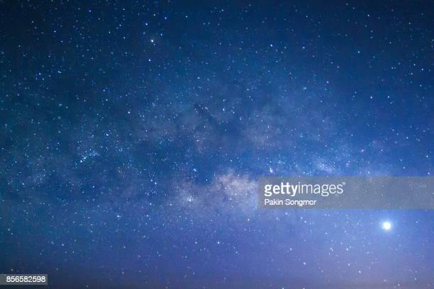 milky way galaxy with stars and space dust in the universe - celebridade - fotografias e filmes do acervo