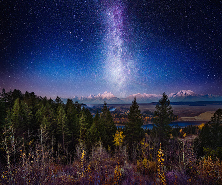 Milky Way Night Sky Over Grand Teton Horz Version - gettyimageskorea