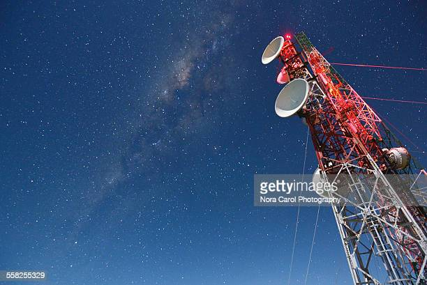 milky way over communication tower - telecommunications equipment stock pictures, royalty-free photos & images