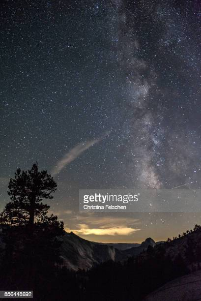 milky way over halfdome, california - christina felschen stock photos and pictures