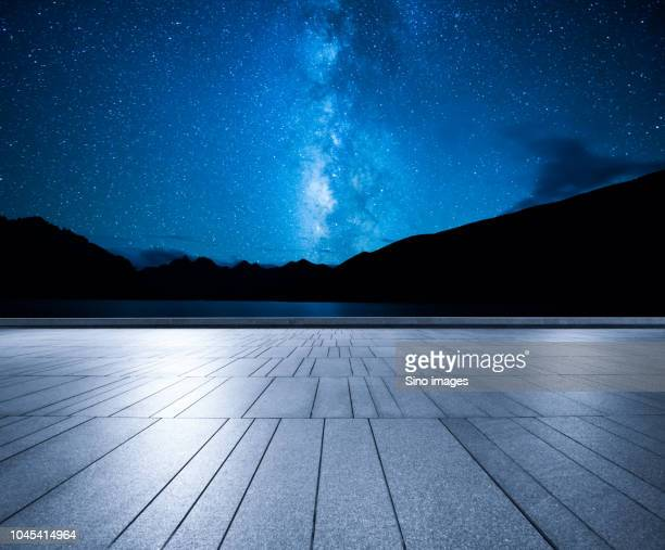 milky way over mountains, canada - image stock pictures, royalty-free photos & images